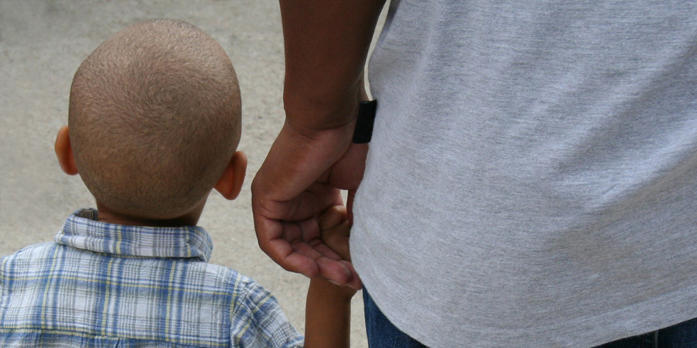 Researchers To Study How Fathers Influence Children's Language Development